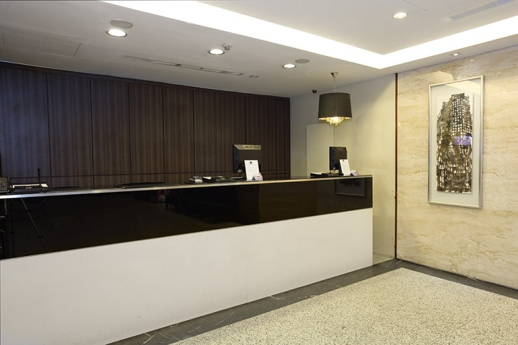 Value Hotel Balestier - Inviting staffs will welcome you
