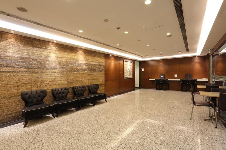 Value Hotel Balestier - Clean and nice lobby